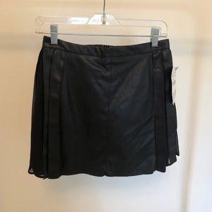 Zara (xs) black faux leather skirt NWT
